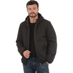 Kurtka zimowa w kolorze czarnym. Czarne kurtki męskie skórzane marki Reserved, l. W wyprzedaży za 227,95 zł.