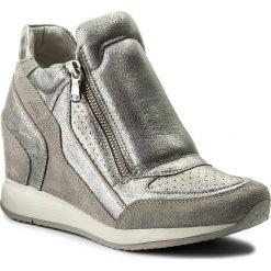 Sneakersy GEOX - D Nydame A D620QA 0CD22 C1010 lt Grey. Szare sneakersy damskie Geox, z materiału. W wyprzedaży za 369,00 zł.