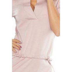 DOROTA Sukienka z kołnierzykiem - BRUDNY RÓŻ. Różowe sukienki na komunię marki numoco, l, z długim rękawem, maxi, oversize. Za 139,99 zł.