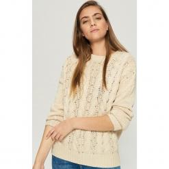 Sweter z ćwiekami - Beżowy. Brązowe swetry klasyczne damskie marki Vila, l, z elastanu. Za 79,99 zł.