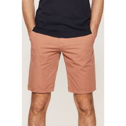 Spodenki i szorty męskie: Szorty z kolorowym paskiem - Różowy