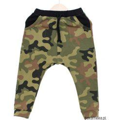 Chinosy chłopięce: Wiosenne spodnie baggy moro na oliwce