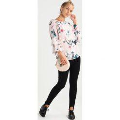 Boyfriendy damskie: Topshop Petite STIRRUP JONI    Jeans Skinny Fit black