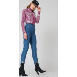 NA-KD Jeansy Highwaist Skinny Raw Hem - Blue. Niebieskie jeansy damskie skinny marki NA-KD, z jeansu, z podwyższonym stanem. W wyprzedaży za 70,98 zł.