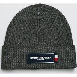 Tommy Hilfiger - Czapka. Czarne czapki zimowe męskie marki TOMMY HILFIGER, z dzianiny. Za 199,90 zł.