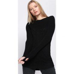 Czarny Sweter Here Till Sunday. Czarne swetry klasyczne damskie Born2be, na jesień, l. Za 44,99 zł.