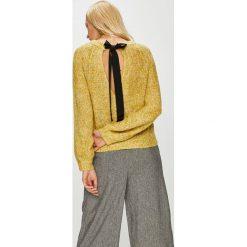 Vero Moda - Sweter Sylvie. Brązowe swetry klasyczne damskie Vero Moda, l, z dzianiny, z okrągłym kołnierzem. Za 149,90 zł.