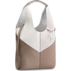 Torebka GUESS - HWCB68 65030  TMU. Białe torebki klasyczne damskie Guess, z aplikacjami, ze skóry ekologicznej, duże. W wyprzedaży za 559,00 zł.