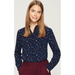 Wzorzysta koszula - Granatowy. Niebieskie koszule wiązane damskie Sinsay, m. Za 39,99 zł.