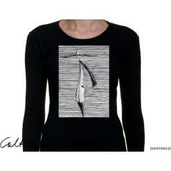 Prążki - damska koszulka z długim rękawem. Czarne bluzki damskie Pakamera, w prążki, z długim rękawem. Za 79,00 zł.