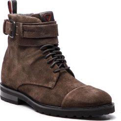 Kozaki STRELLSON - New Brown 4010002483 Dark Brown 702. Brązowe buty zimowe męskie Strellson, z materiału. Za 749,00 zł.