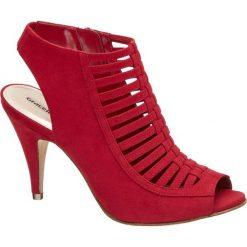 Sandaly na obcasie Graceland czerwone. Czarne sandały damskie marki Graceland, w kolorowe wzory, z materiału. Za 99,90 zł.