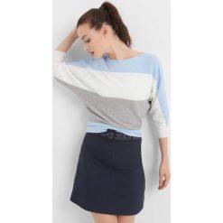 Nietoperzowy sweter w pasy. Czarne swetry klasyczne damskie marki Orsay, xs, z bawełny, z dekoltem na plecach. Za 79,99 zł.