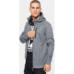 Polarowa bluza z kapturem - Jasny szary. Czarne bluzy męskie rozpinane marki Cropp, l, z polaru, z kapturem. Za 139,99 zł.
