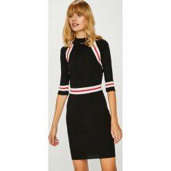 Answear - Sukienka. Szare sukienki dzianinowe marki ANSWEAR, na co dzień, l, casualowe, mini, dopasowane. Za 169,90 zł.