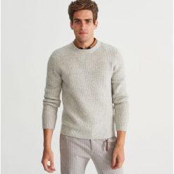Sweter - Jasny szar. Szare swetry klasyczne męskie marki Reserved, l. Za 159,99 zł.