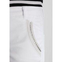 Mos Mosh ETTA 7/8 PANT Jeansy Slim Fit white. Białe boyfriendy damskie Mos Mosh. Za 519,00 zł.