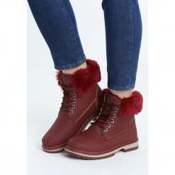 Bordowe Traperki Goldeneye. Czerwone buty zimowe damskie marki QUECHUA, z gumy. Za 89,99 zł.