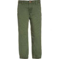 Chinosy chłopięce: Scotch Shrunk RELAXED SLIM FIT WITH CUFFS & CONTRAST INTERNAL Chinosy army