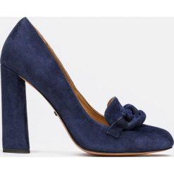 Granatowe czółenka damskie. Niebieskie buty ślubne damskie Kazar, ze skóry, na wysokim obcasie, na obcasie. Za 549,00 zł.