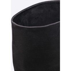 Carinii - Kozaki. Czarne buty zimowe damskie Carinii, z materiału, na obcasie. W wyprzedaży za 359,90 zł.