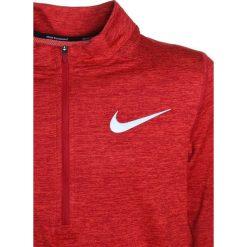 Nike Performance Koszulka sportowa gym red. Czerwone t-shirty dziewczęce marki Nike Performance, z elastanu. W wyprzedaży za 135,15 zł.