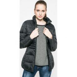 Wrangler - Kurtka. Szare kurtki damskie marki Wrangler, na co dzień, m, z nadrukiem, casualowe, z okrągłym kołnierzem, mini, proste. W wyprzedaży za 359,90 zł.