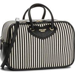 Torebka MY TWIN - RS8TAB  Riga Pan 02359. Białe torebki klasyczne damskie My Twin, z materiału. W wyprzedaży za 369,00 zł.