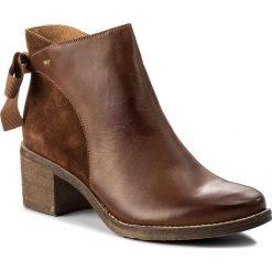 Botki WOJAS - 8569-73 J. Brąz. Brązowe buty zimowe damskie Wojas, z materiału, na obcasie. W wyprzedaży za 299,00 zł.