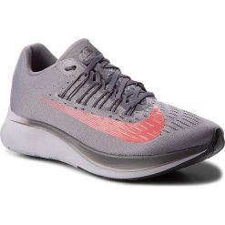 Buty NIKE - Zoom Fly 880848 004 Gunsmoke/Bright Crimson. Szare buty do biegania męskie Nike, z materiału, nike zoom. W wyprzedaży za 459,00 zł.