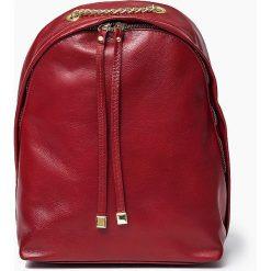 Skórzany czerwony plecak CARMEN Vera Pelle. Czerwone plecaki damskie Vera Pelle, ze skóry, klasyczne. Za 219,00 zł.