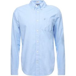 Koszule męskie na spinki: Hollister Co. POPLIN SOLID Koszula light blue