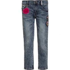 Retour Jeans ALLEGRA Jeansy Slim Fit vintage blue denim. Czarne jeansy chłopięce marki bonprix, z aplikacjami. Za 249,00 zł.