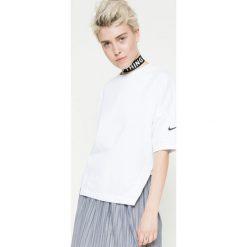 Nike - Top. Szare topy damskie marki Nike, m, z bawełny, z krótkim rękawem. W wyprzedaży za 179,90 zł.