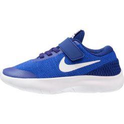 Nike Performance FLEX EXPERIENCE RN 7  Obuwie do biegania treningowe hyper royal/white/deep royal blue. Niebieskie buty sportowe chłopięce Nike Performance, z materiału. W wyprzedaży za 161,10 zł.