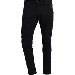 GStar 5620 3D SUPER SLIM Jeans Skinny Fit rinsed. Czarne rurki męskie G-Star. W wyprzedaży za 375,20 zł.