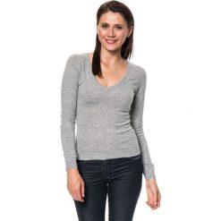 Sweter w kolorze szarym. Szare swetry klasyczne damskie marki C&Jo i Assuili, z dzianiny. W wyprzedaży za 136,95 zł.