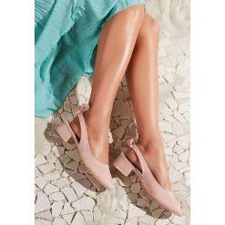 Różowe Sandały One Like You. Brązowe sandały damskie marki vices, z materiału, ze szpiczastym noskiem, na wysokim obcasie, na obcasie. Za 69,99 zł.