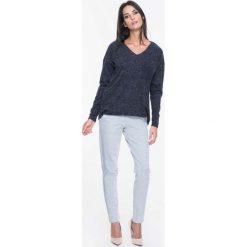 Bluzy damskie: Granatowa Bluza Swetrowa z Kieszonką