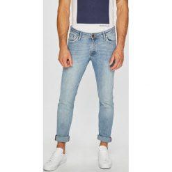 Jack & Jones - Jeansy. Czarne jeansy męskie relaxed fit marki Jack & Jones, l, z bawełny, z klasycznym kołnierzykiem, z długim rękawem. Za 259,90 zł.
