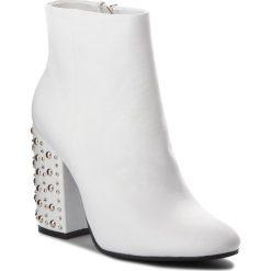 Botki CARINII - B4283 L46-000-000-C00. Białe buty zimowe damskie marki Carinii, ze skóry. W wyprzedaży za 259,00 zł.