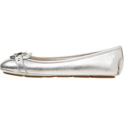 MICHAEL Michael Kors FULTON MOC Baleriny silver. Czarne baleriny damskie marki MICHAEL Michael Kors, z gumy, przed kolano, na wysokim obcasie. Za 509,00 zł.