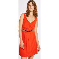 Morgan - Sukienka. Czerwone sukienki mini Morgan, na co dzień, s, z materiału, casualowe, rozkloszowane. W wyprzedaży za 299,90 zł.