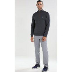 Polo Ralph Lauren Golf ATHLETIC INTERLOCK Koszulka sportowa union grey heather. Szare koszulki polo marki Polo Ralph Lauren Golf, m, z bawełny, z długim rękawem. W wyprzedaży za 411,75 zł.