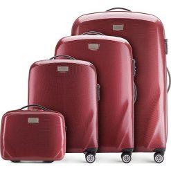 Zestaw walizek 56-3P-57K-35. Czerwone walizki marki Wittchen, w paski, z gumy, duże. Za 1168,08 zł.