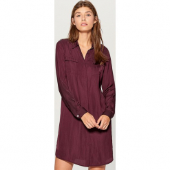 Koszulowa sukienka z kieszeniami - Bordowy. Czerwone sukienki z falbanami marki Mohito, l, w koronkowe wzory. Za 99,99 zł.