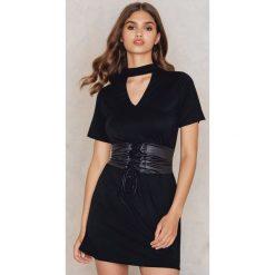 Boohoo Sukienka gorsetowa typu T-Shirt - Black. Czarne sukienki mini marki Boohoo, l, z poliesteru. W wyprzedaży za 45,98 zł.