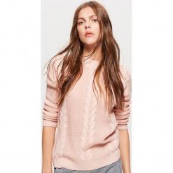 Sweter z warkoczowym splotem - Różowy. Żółte swetry klasyczne damskie marki ekoszale, ze splotem. Za 49,99 zł.