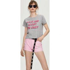 T-shirt z nadrukiem - Jasny szar. Szare t-shirty damskie Sinsay, l, z nadrukiem. Za 9,99 zł.