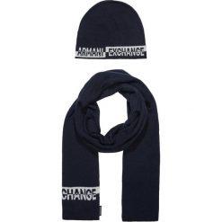Armani Exchange SET Szal navy. Czarne szaliki męskie marki Armani Exchange, l, z materiału, z kapturem. Za 419,00 zł.
